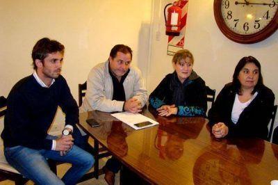 Subsecretario y concejales, preocupados por el cierre de La Recova