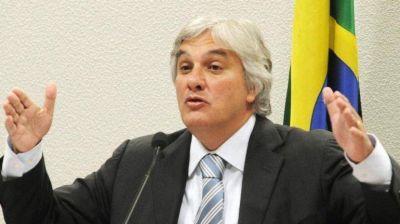 Brasil: anularon el mandato del senador que acusó a Dilma Rousseff por el escándalo Petrobras