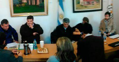 Reunión regional entre intendentes y concejales por la basura y el gas
