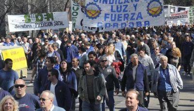 Gremios marchan por el Centro contra ley previsional