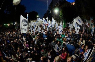 Multitudinaria marcha en el centro