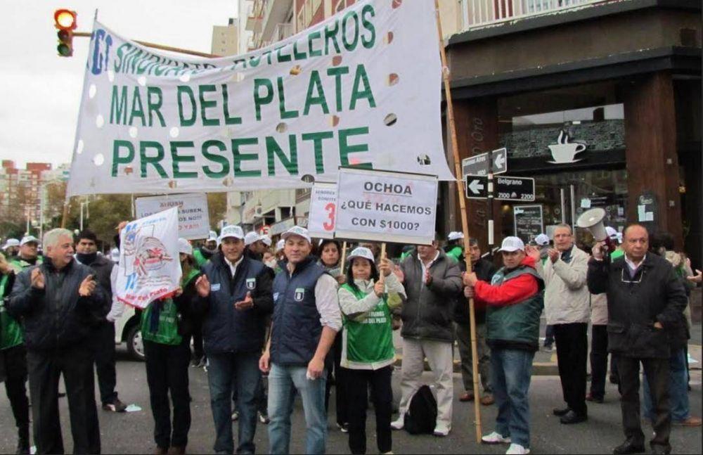 Ruidosa manifestación de Pasteleros ante la falta de acuerdo en paritarias