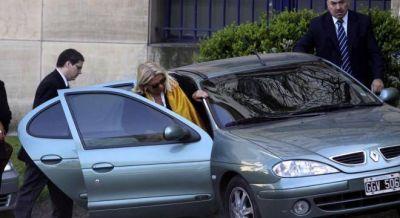 Carrió se fue furiosa de una reunión con Macri por el nuevo blanqueo