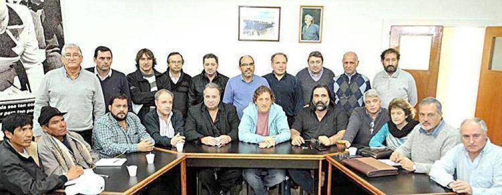 Gremios estatales se unen contra las medidas laborales de Vidal