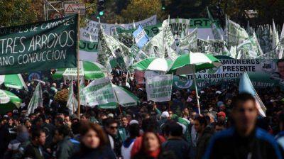 Mauricio Macri, entre el papa Francisco y los sindicatos