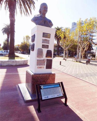 Se realizan tareas de mantenimiento en espacios públicos y monumentos