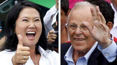 Fujimori y Kuczynski pelean por los indecisos