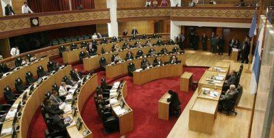 La Legislatura definirá si el ministro del Interior decidirá los montos para municipios y comunas