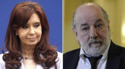 La defensa de Cristina acusó a Bonadio de