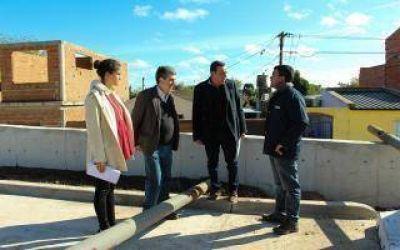 Zárate: Cáffaro recorrió obras que se terminan con fondos municipales