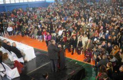 Peronistas dicen que Cano usó políticamente las cooperativas