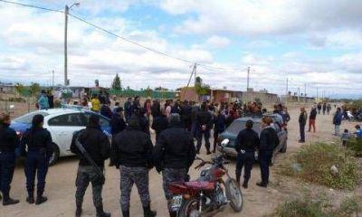 Desalojaron 32 familias que habían usurpado viviendas sociales