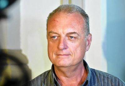 Bacheo: �Si no viene Manrique convocaremos al intendente�, dice concejal de la oposici�n