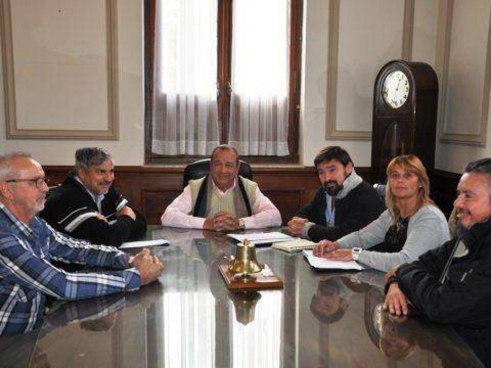 La CTA le presentó a Sánchez proyecto para construir monumento en homenaje al trabajador