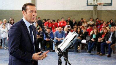 Gutiérrez se pega a Macri y rechaza la ley antidespidos