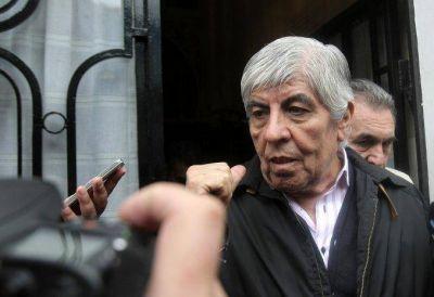 Moyano cruzó a Macri por el posible veto a la ley: