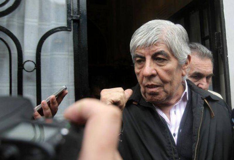 Moyano cruz� a Macri por el posible veto a la ley: