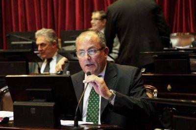 Marino en cumbre de la UCR para presionar a Macri