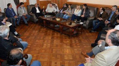 Manzur y 19 intendentes pedir�n fondos a la Naci�n para obras, salud y educaci�n