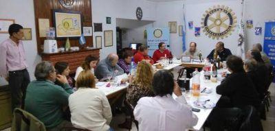 Salomón abordó en el Rotary Club la propuesta de construir una bicisenda