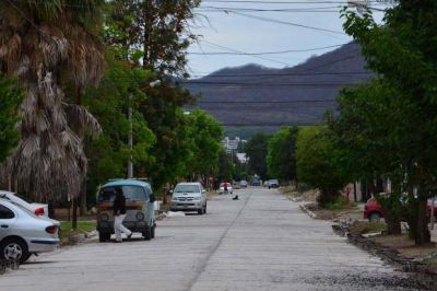 #Quejas: el Canal de los Manzanos presenta roturas y grietas