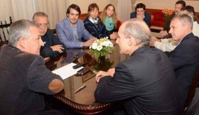 Gobierno y Ca�eros Independientes a�nan criterios para garantizar rentabilidad del sector