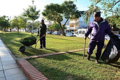 La Municipalidad realiza tareas integrales en la plaza San Martín