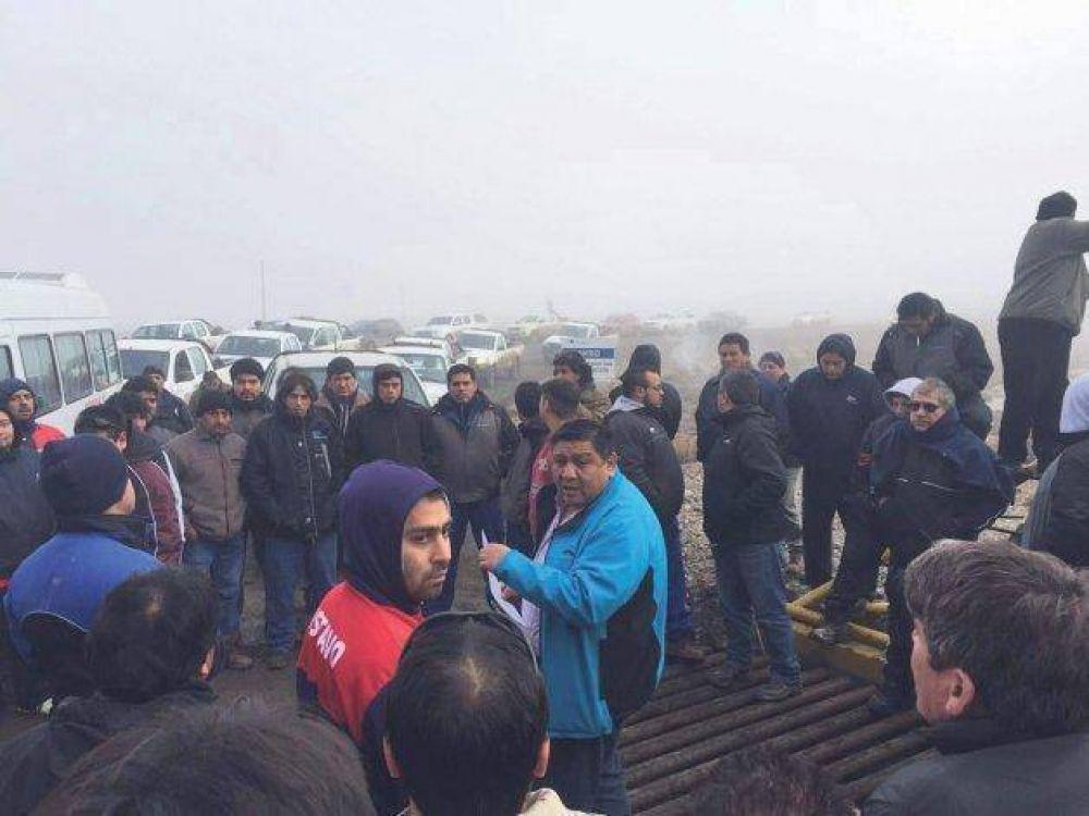 En medio del conflicto en Pampa del Castillo arrancaron las paritarias de los petroleros
