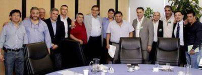 Operadoras petroleras anunciaron el despido de 8.300 trabajadores