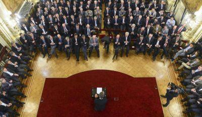 Fuerte lobby empresario contra la ley antidespidos y abierto apoyo al Gobierno
