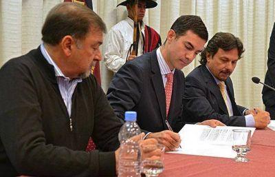 La Provincia asistirá financieramente al municipio capital con 20 millones para recuperación de calzadas