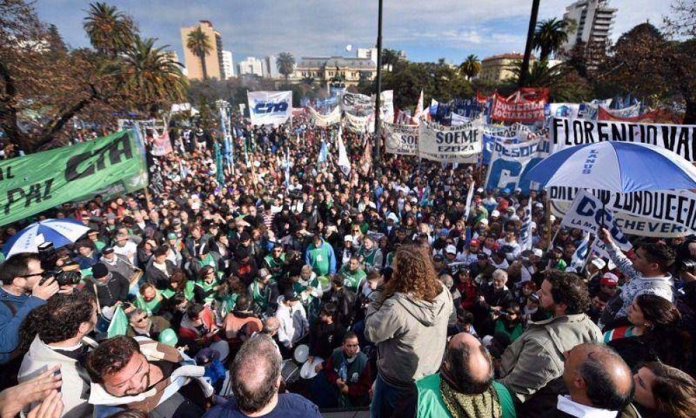 Si no hay acuerdo, será otra semana caliente para Vidal por protestas de estatales