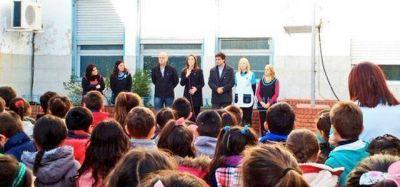 En Lanús, Vidal anunció el aumento de asignación familiar para estatales