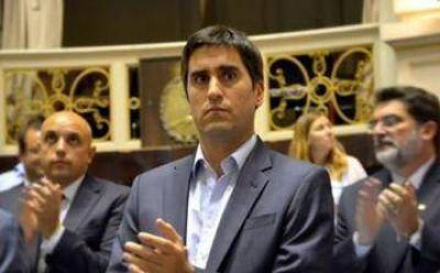 "Manuel Mosca denunció a ""manifestantes que atacaron el Congreso bonaerense"""
