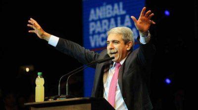 Durante la campaña de 2015, Aníbal Fernández entregó $111 millones a sindicatos y ONG