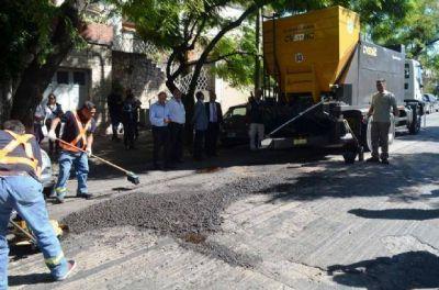 Colocarán 80 toneladas de pavimento para arreglar baches