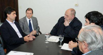 """La gobernadora, los nuevos aires y el marplatense """"capo"""" de Uber"""