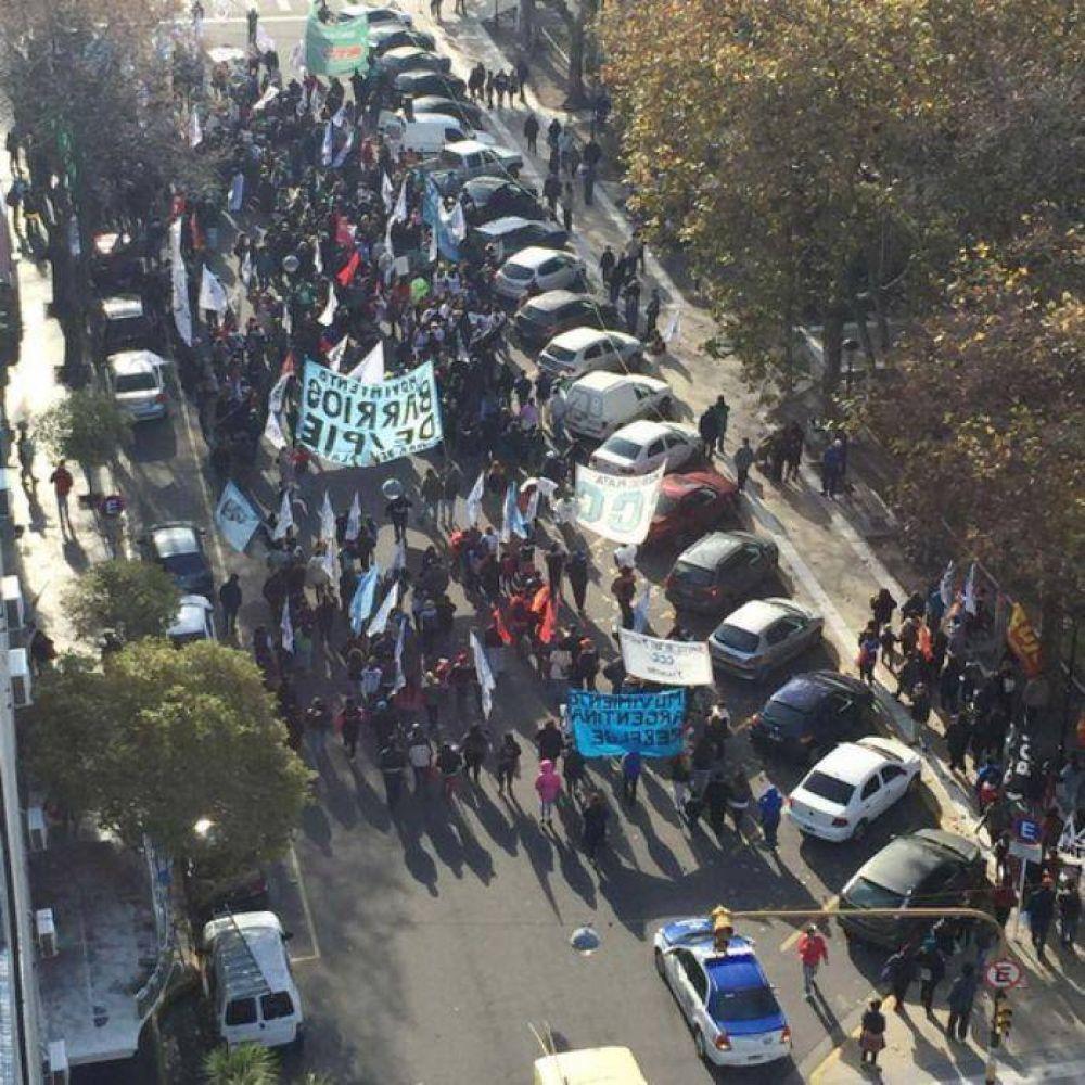 Estatales se manifestaron frente a Trabajo de la Nación y el Palacio Municipal