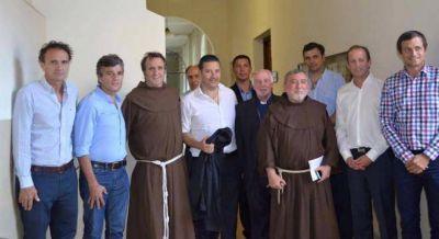 El Papa se mostrar� con intendentes peronistas en medio de los cruces con el Gobierno
