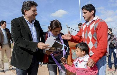 Entregaron 24 viviendas a familias de Rosario de la Frontera