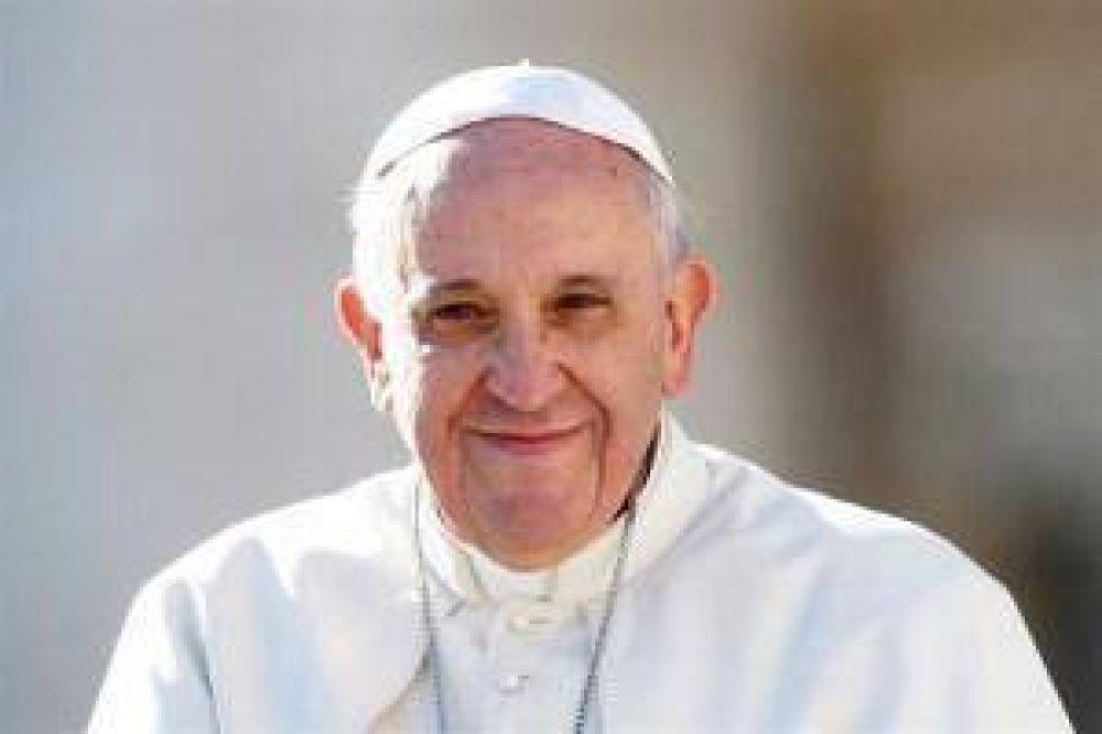 Desde diversas corrientes políticas impulsan la llegada del Papa al país en 2017