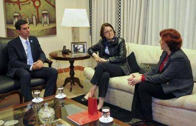 Juan Manuel Urtubey se reunió con representantes Pro Mujer
