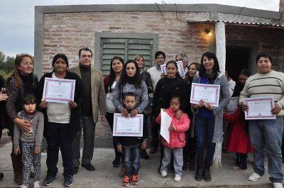 Entregaron viviendas sociales en La Banda