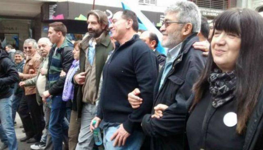 Se movilizan las centrales obreras por el Cordobazo y contra Macri