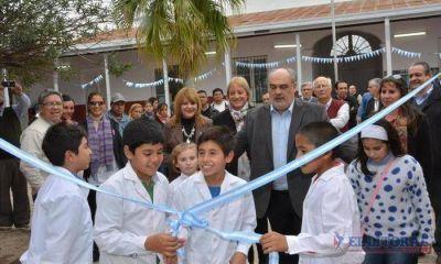 Colombi estrenó refacciones en cinco escuelas y auguró la apertura de tres nuevas en 2017