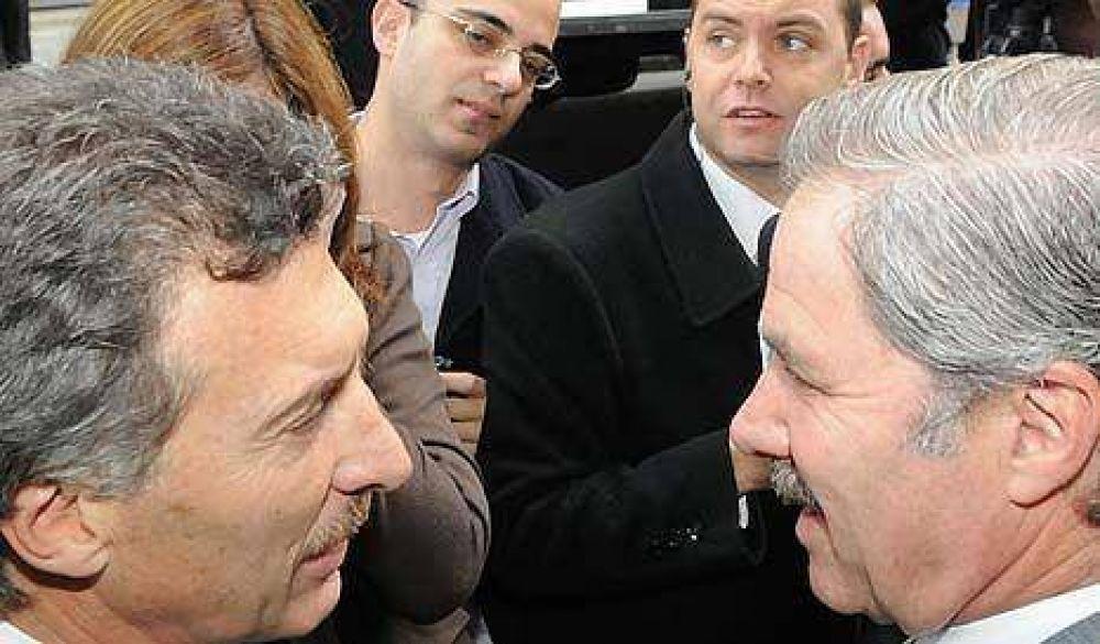Solá quiere correr a Kirchner del PJ y Macri quiere correr a Solá de 2011