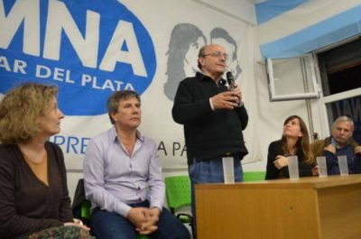 """Moreau: """"Participaremos desde nuestra vocación frentista en las elecciones del 2017"""""""