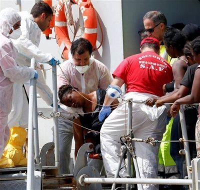 Otra ola escalofriante de naufragios dejó unos 700 muertos