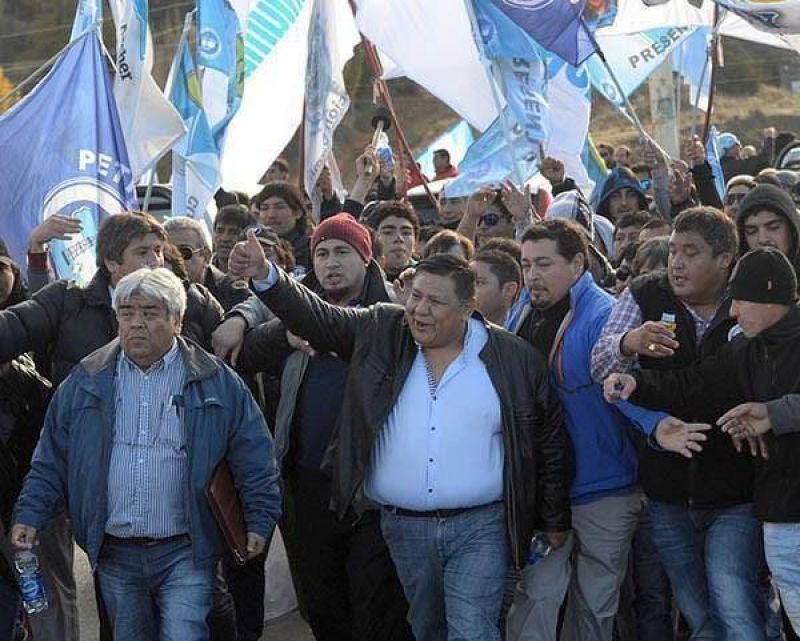 """""""YPF les hace un daño enorme a los petroleros"""""""