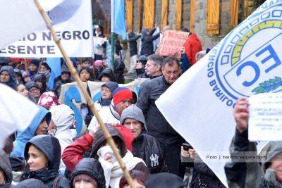 Gennuso desmiente supuesta invitación a participar del corte de gas de los petroleros